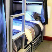 Lands End hostel bedroom